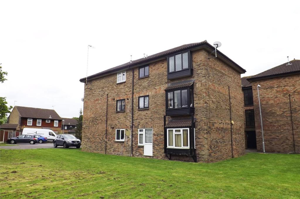 1 Bedroom Apartment Flat for sale in Littlebury Green, Burnt Mills, Basildon, Essex, SS13