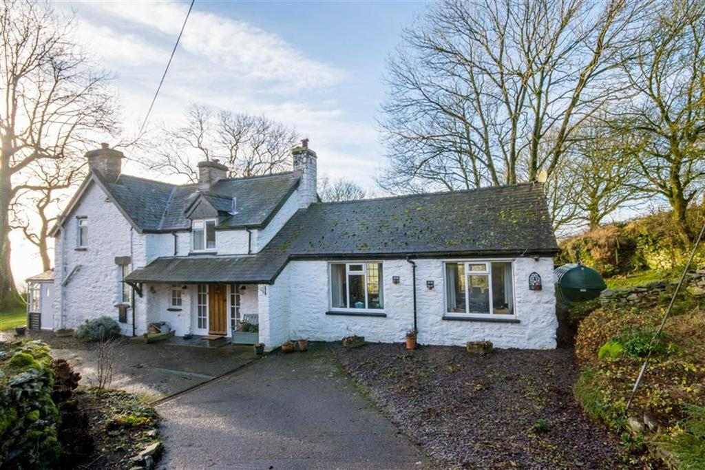 3 Bedrooms Detached House for sale in Llanfihangel Glyn Myfyr, Corwen