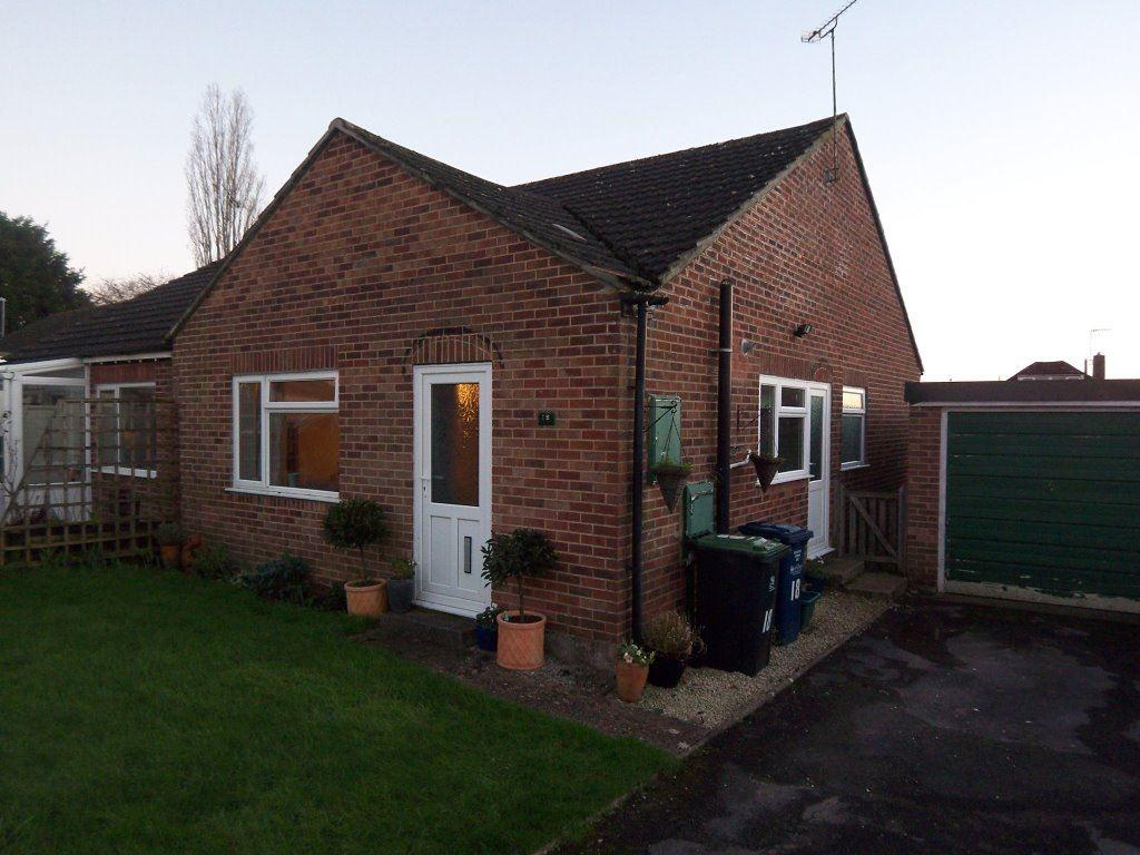 2 Bedrooms Bungalow for rent in COMPARE OUR FEES