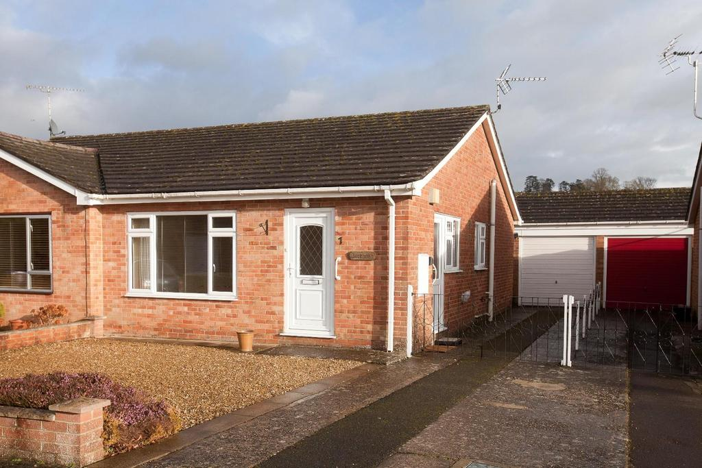 2 Bedrooms Bungalow for sale in Laverstock, Salisbury