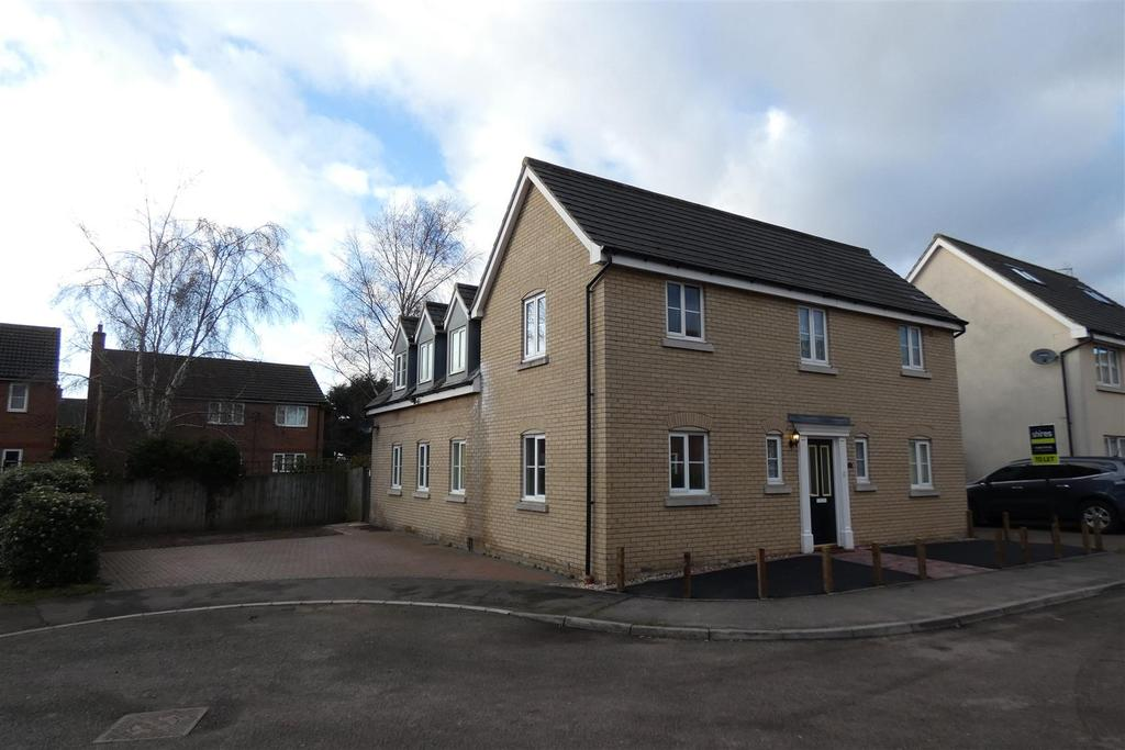4 Bedrooms Detached House for rent in Elmcroft Close, Beck Row