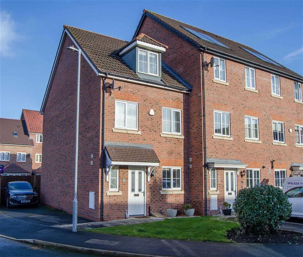 4 Bedrooms Town House for sale in Cwrt Y Terfyn, Saltney, Chester, Chester