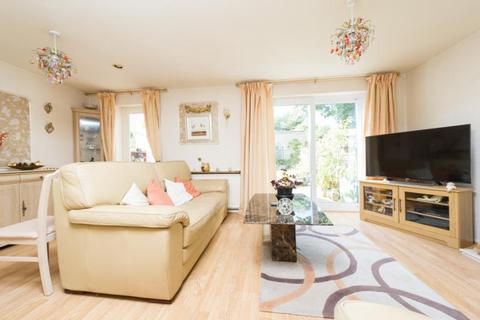 2 bedroom terraced house for sale - Dudgeon Drive, Oxford, Oxfordshire