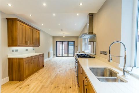 4 bedroom townhouse for sale - East Parade, York