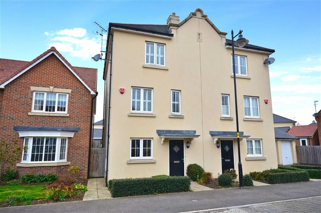 4 Bedrooms Town House for sale in Pevensey Way, Croxley Green, Hertfordshire