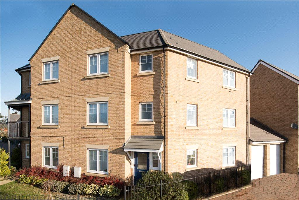 4 Bedrooms Semi Detached House for rent in Barland Way, Aylesbury, Buckinghamshire