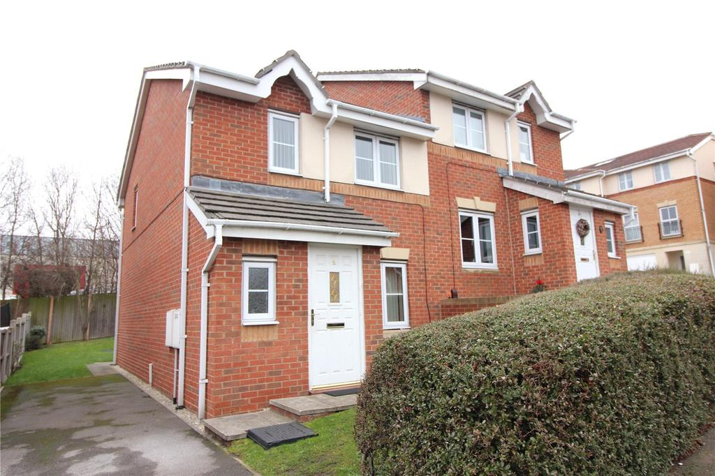 3 Bedrooms Semi Detached House for rent in Great Broad Ing, Redbrook, Barnsley, S75
