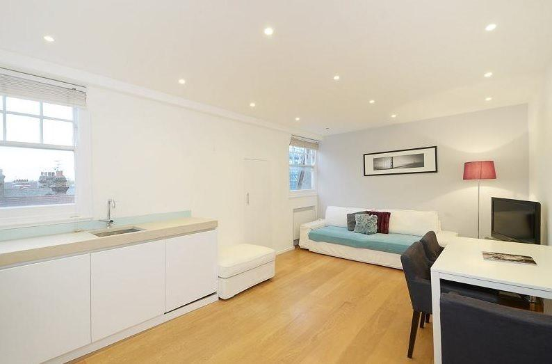 1 Bedroom Flat for sale in Thackeray House, Culford Gardens,