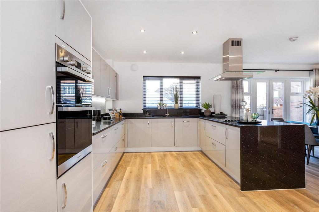 5 Bedrooms Detached House for sale in Plot 35, Woolton Hill, Newbury, Berkshire, RG20