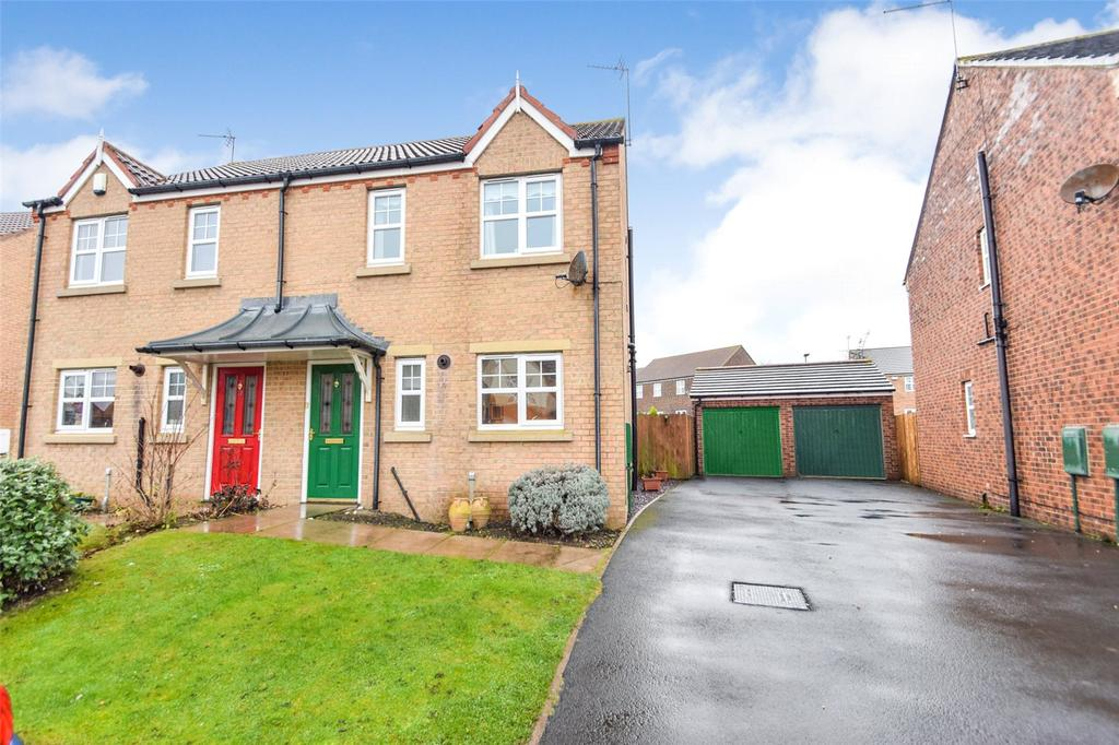 3 Bedrooms Semi Detached House for sale in Stoneycroft Way, East Shore Village, Seaham, Co. Durham, SR7