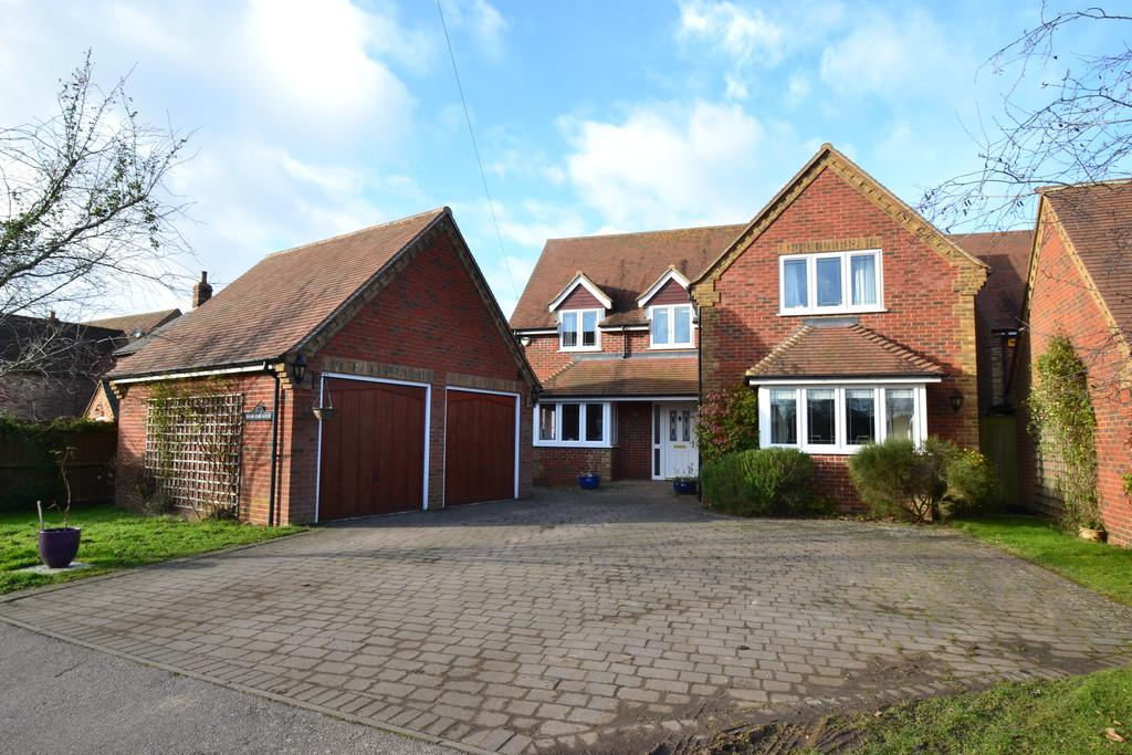 5 Bedrooms Detached House for sale in Wood End, Little Horwood