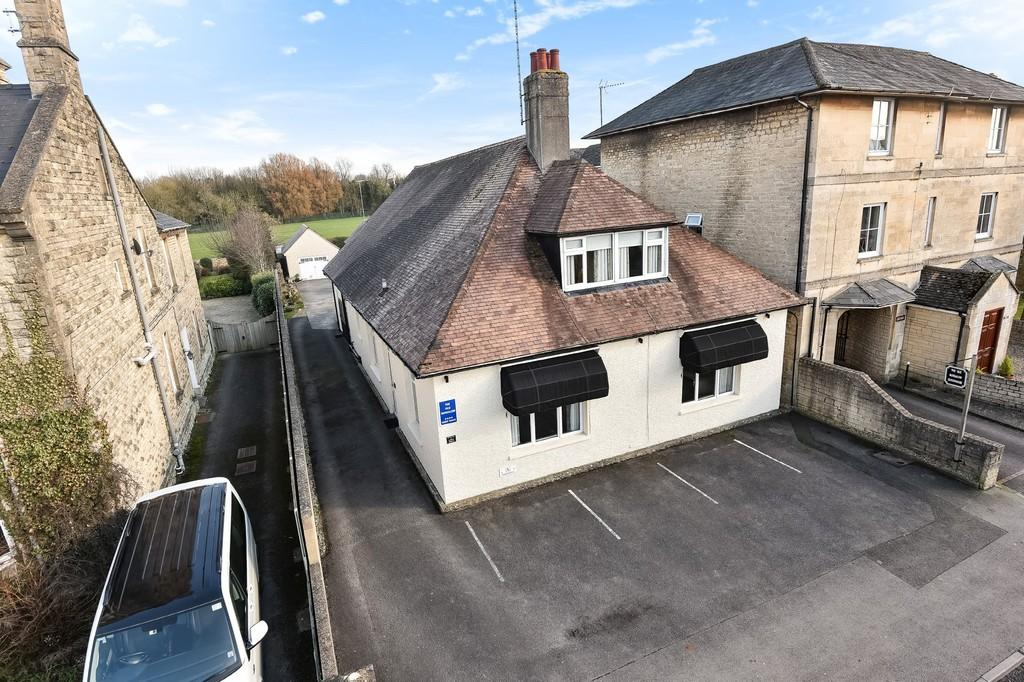 7 Bedrooms Detached House for sale in Cirencester
