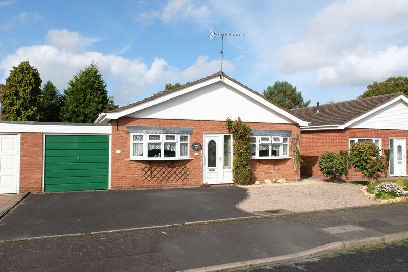 2 Bedrooms Bungalow for sale in Church Walk, Stourport-On-Severn DY13 0AP