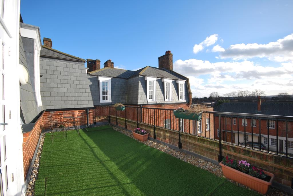 2 Bedrooms Flat for sale in Widmore Road BR1