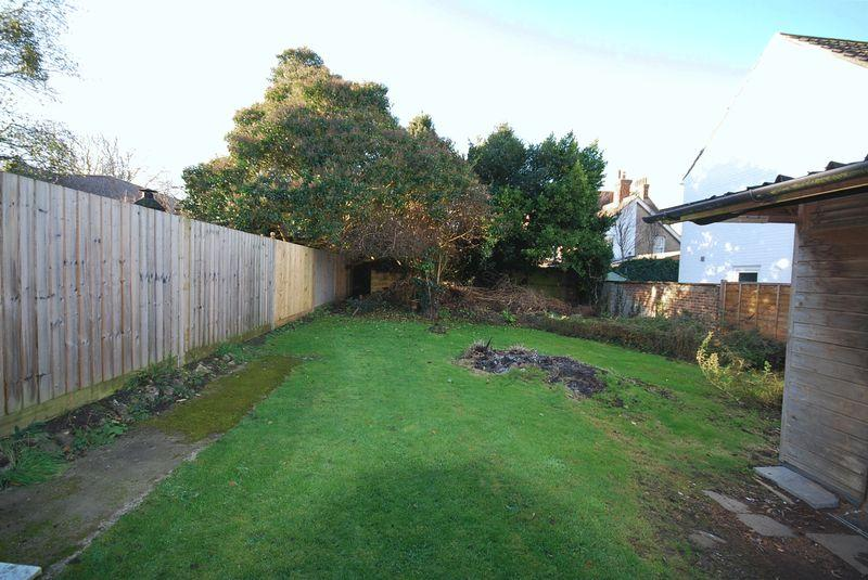 2 Bedrooms Land Commercial for sale in Saltwood