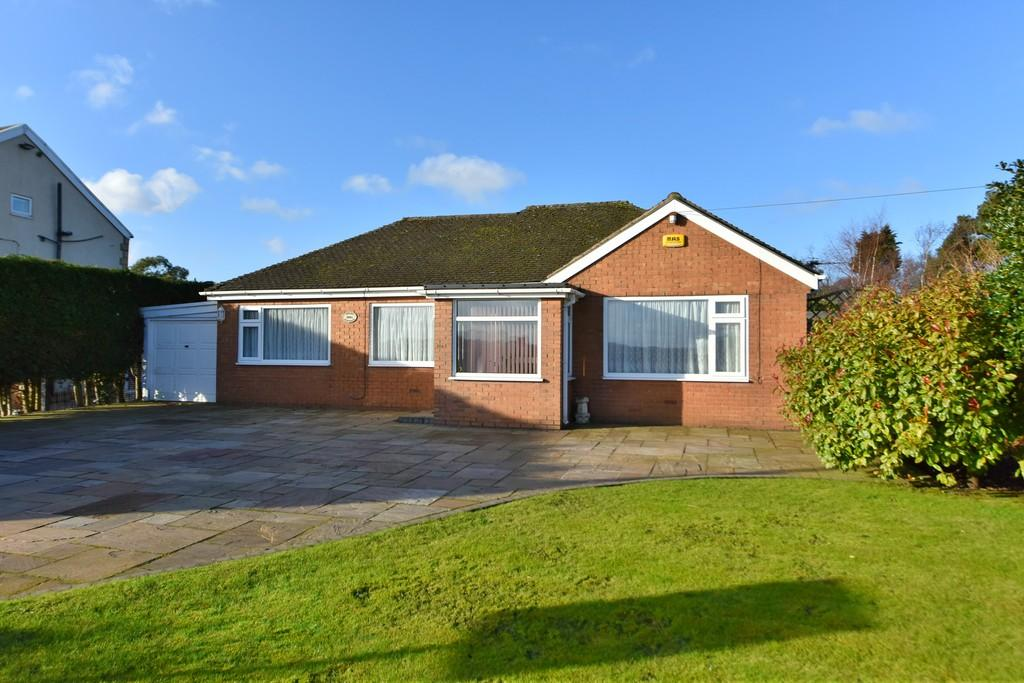 3 Bedrooms Detached Bungalow for sale in Lilac Cottage, Liverpool Road