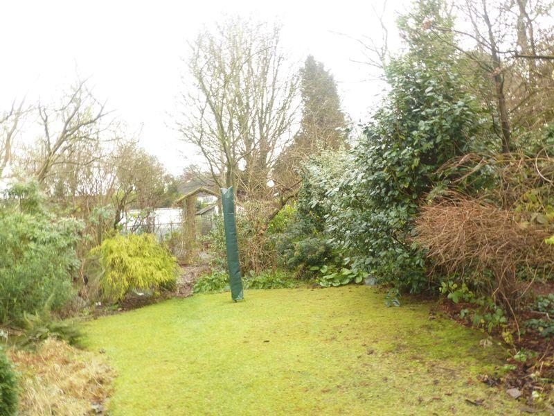 Garden 103 Russell