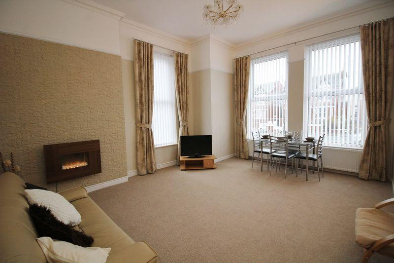 2 Bedrooms Apartment Flat for rent in Lathom Road,