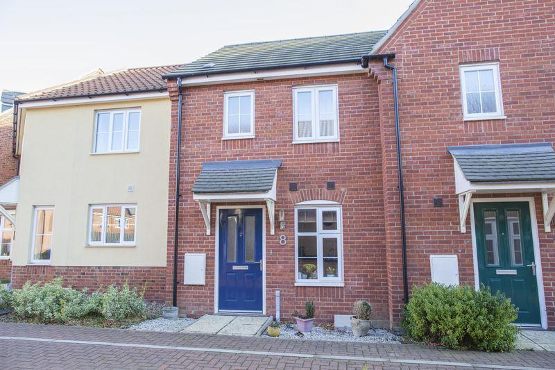 2 Bedrooms Terraced House for sale in Blake Walk, Bury St Edmunds