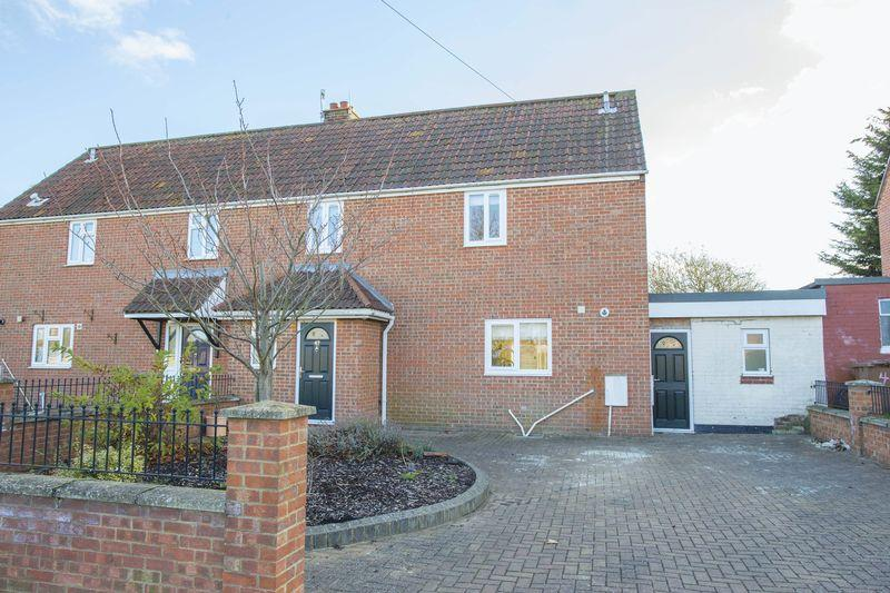 3 Bedrooms Semi Detached House for sale in Gloucester Road, Bury St. Edmunds