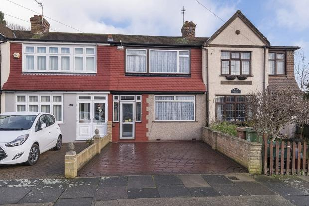 3 Bedrooms Terraced House for sale in Amberley Road, Upper Abbey Wood, SE2