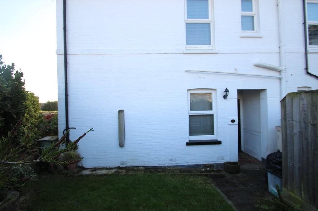 2 Bedrooms Apartment Flat for sale in St. Marys Close, Ryde