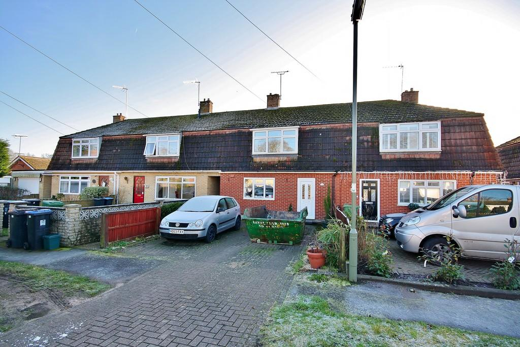 3 Bedrooms Terraced House for sale in Pyrford, Woking