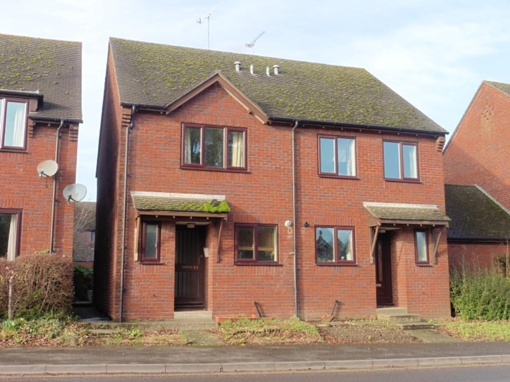 2 Bedrooms Semi Detached House for rent in West Borough, Wimborne