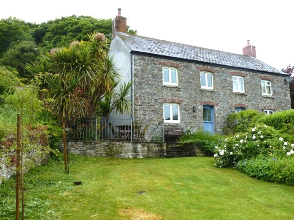 2 Bedrooms Semi Detached House for rent in South Pool