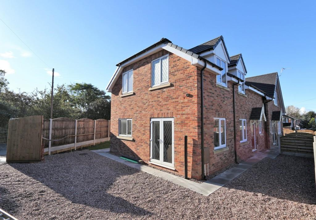 4 Bedrooms Semi Detached House for sale in Station Cottage, 1A Cromwell Road