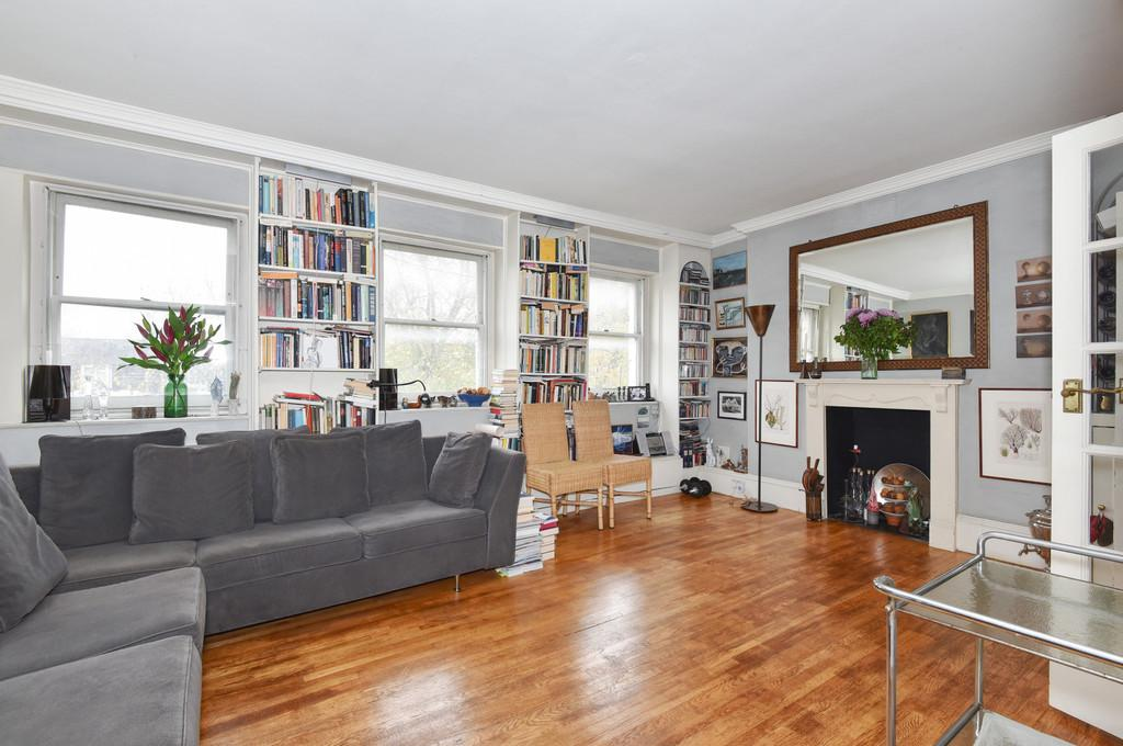 3 Bedrooms Flat for sale in Kennington Park Road, SE11