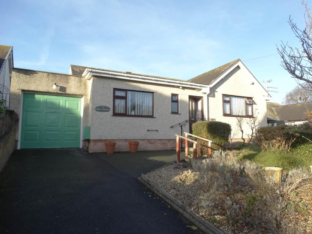 3 Bedrooms Detached Bungalow for sale in 5 Peulwys Lane, Old Colwyn, LL29 8YD