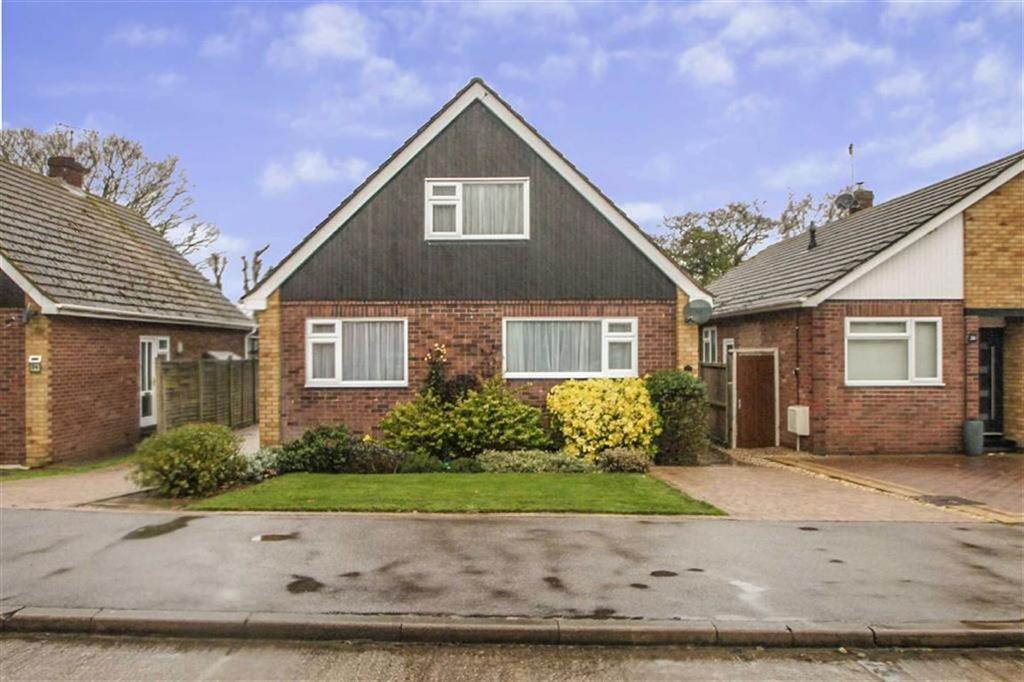 3 Bedrooms Chalet House for sale in Hazelwood Crescent, Little Clacton