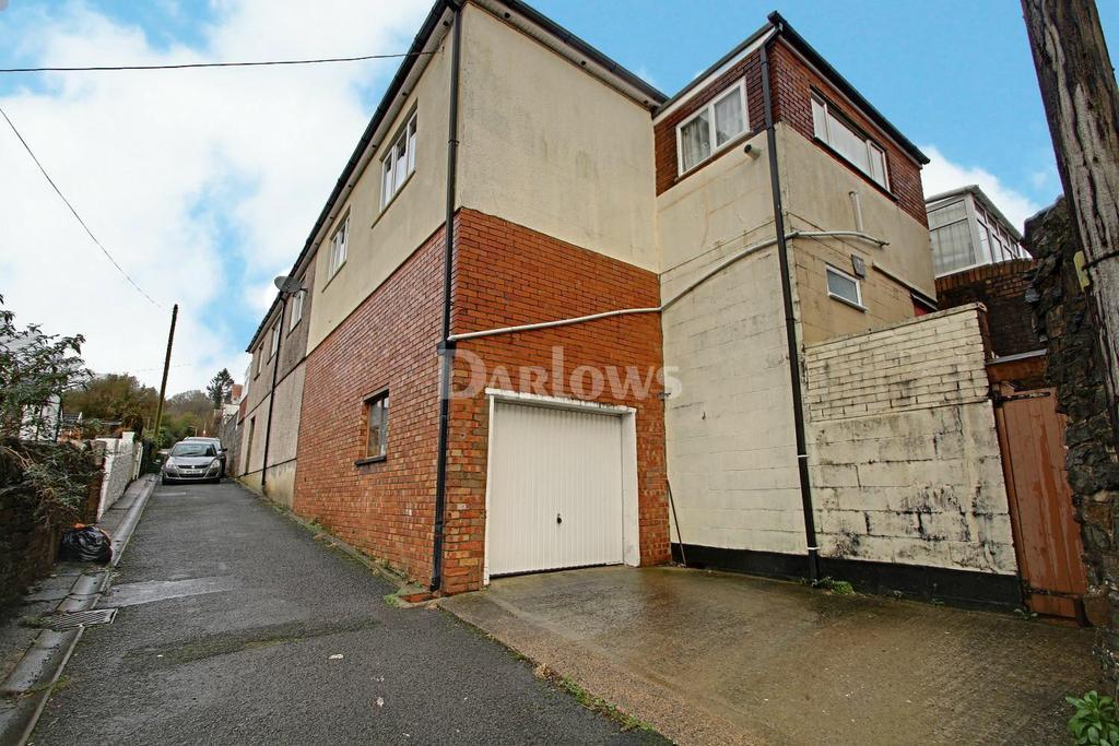 2 Bedrooms Bungalow for sale in Pantygraigwen Road, Pontypridd