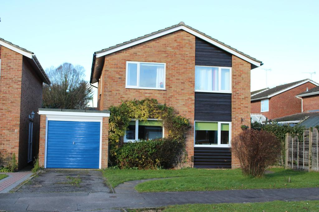 4 Bedrooms Detached House for sale in THREE ACRES, DENMEAD