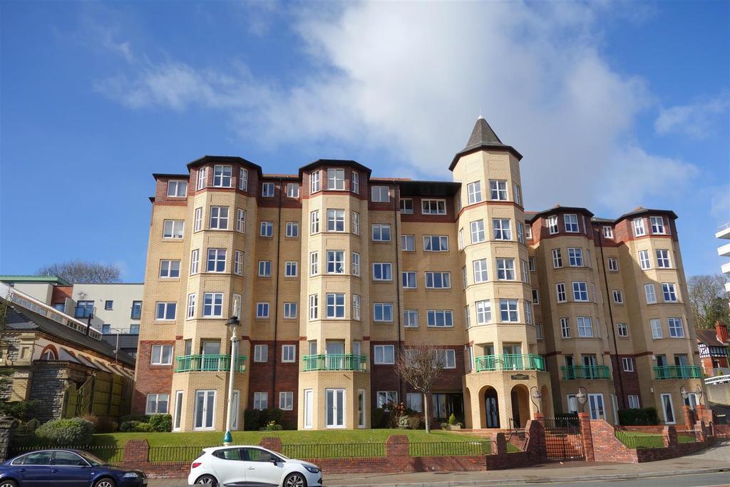 1 Bedroom Flat for sale in Alexandra Court, Penarth Esplanade