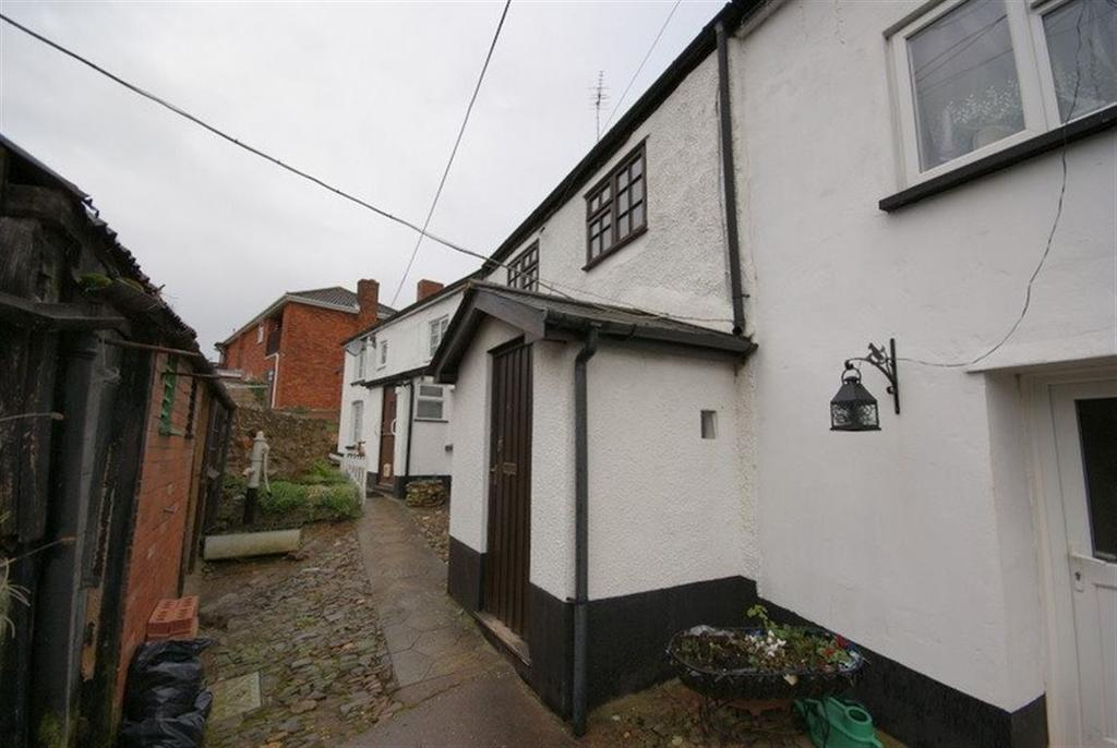 2 Bedrooms Cottage House for rent in Cullompton - Exeter Road