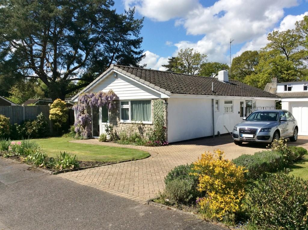 3 Bedrooms Bungalow for sale in St Ives