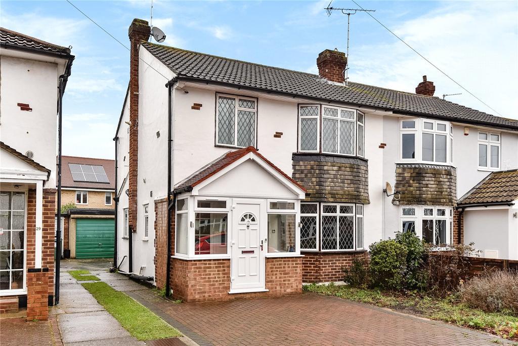 3 Bedrooms Semi Detached House for sale in Carter Close, Windsor, Berkshire, SL4