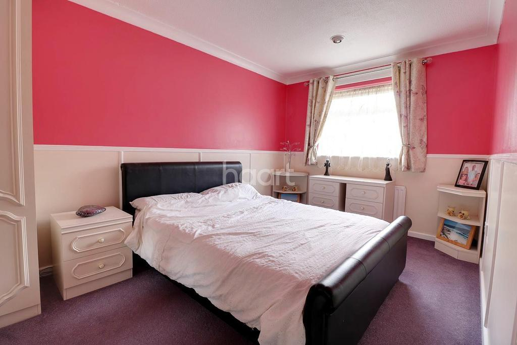3 Bedrooms Terraced House for sale in Alamein Gardens, Dartford, DA2