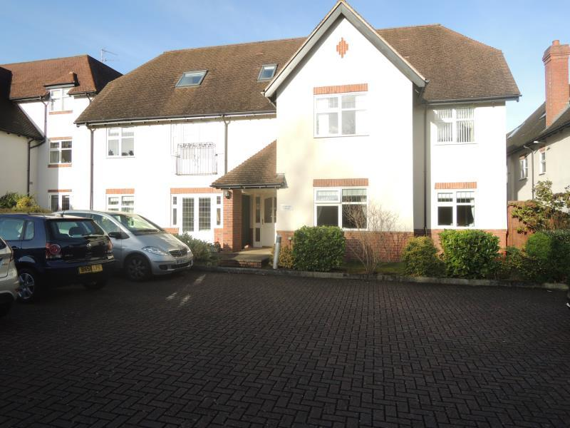 2 Bedrooms Apartment Flat for rent in Coleridge House, Belwell Place, Four Oaks B74 4AF