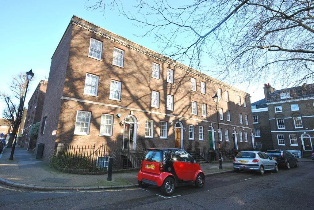 4 Bedrooms End Of Terrace House for rent in West Square Kennington SE11
