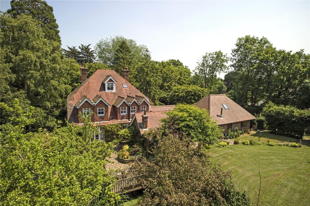 5 Bedrooms Detached House for sale in Little London Road, Heathfield, East Sussex, TN21