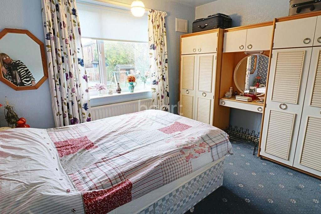 3 Bedrooms Semi Detached House for sale in Runswick Drive, Arnold, Nottingham