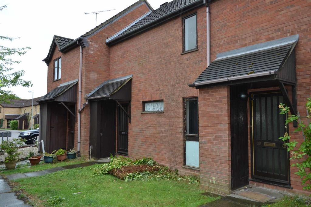 2 Bedrooms Terraced House for rent in Coburg Place, South Woodham Ferrers