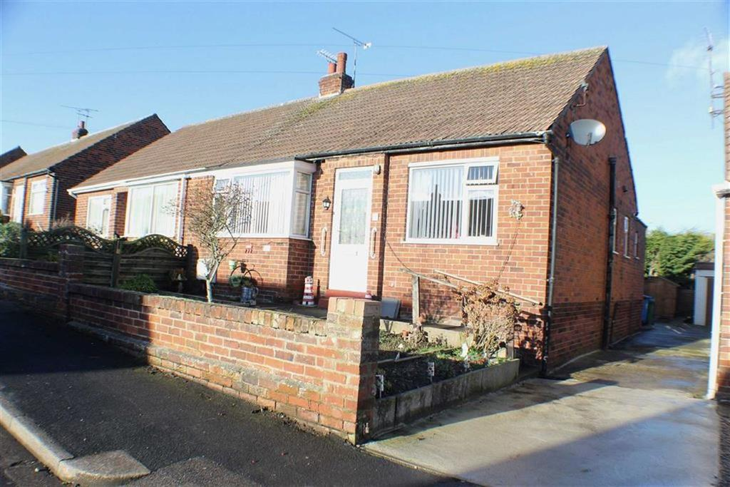 2 Bedrooms Semi Detached Bungalow for sale in Bempton Gardens, Bridlington, East Yorkshire