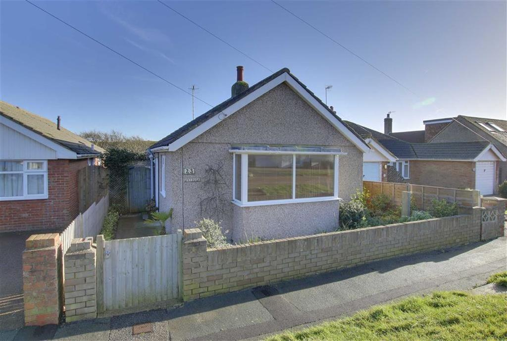 2 Bedrooms Detached Bungalow for sale in Cairo Avenue, Peacehaven