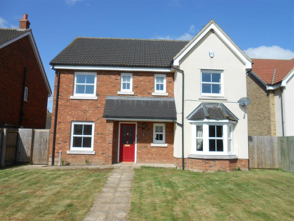 6 Bedrooms Detached House for rent in Blenheim Close, West Row