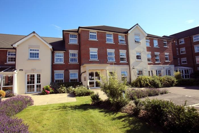 1 Bedroom Retirement Property for sale in WEIGH BRIDGE COURT, ONGAR CM5