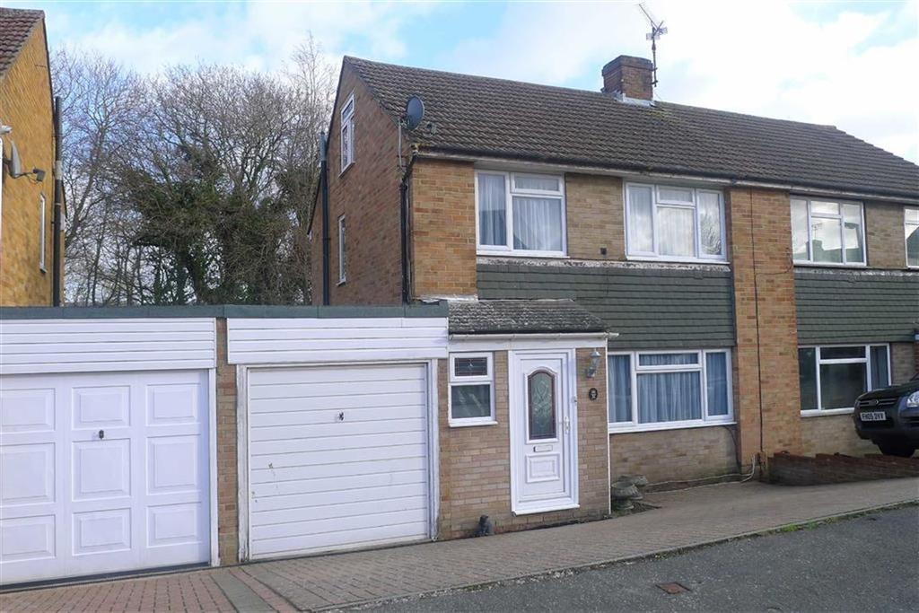 3 Bedrooms Semi Detached House for sale in Hinton Crescent, Hempstead, Kent, ME7
